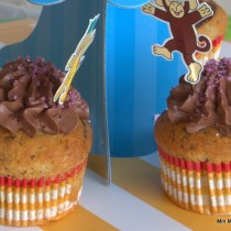 HIndbær-choko-muffins m/ chokolade-creamcheese frosting