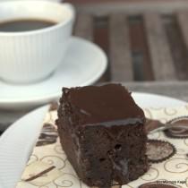 Chokoladekage m/marsbar og saltkaramelsauce
