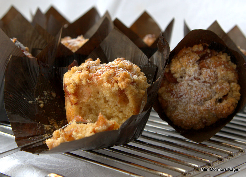 Æble-kanel muffins med crumble topping